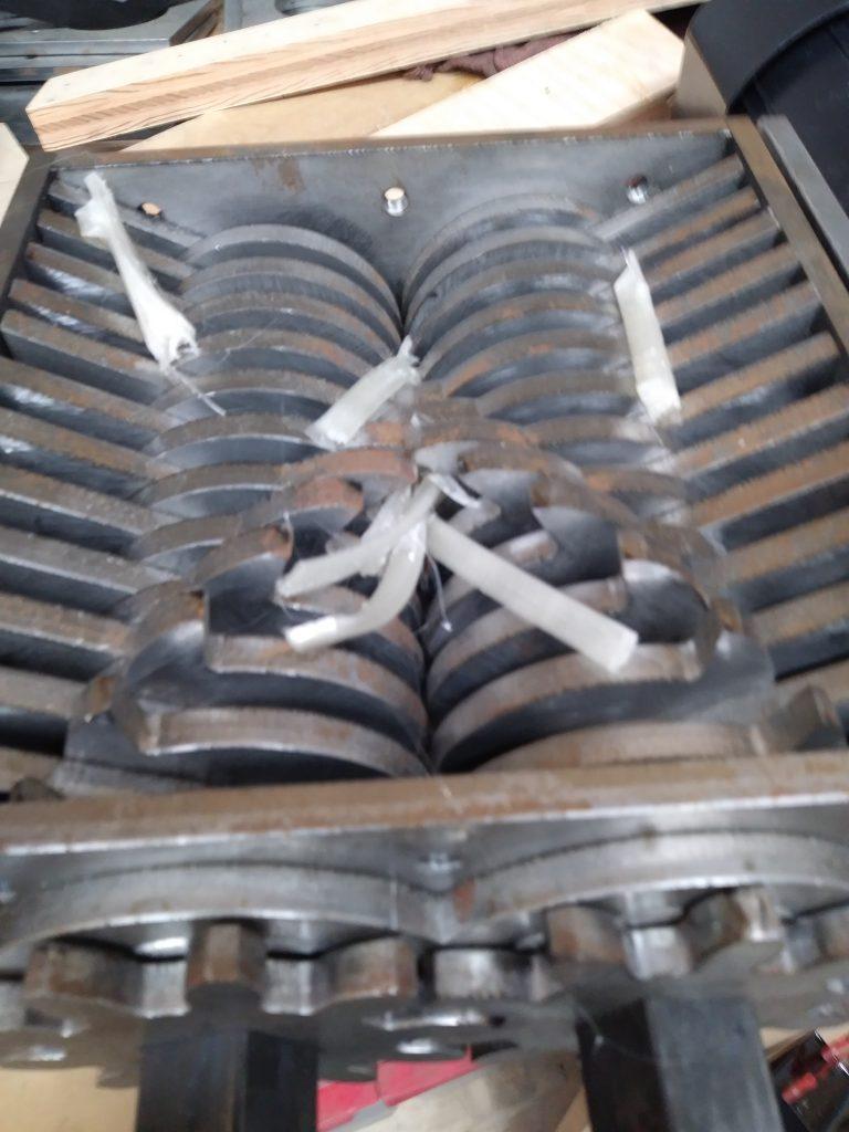 Shredder Cutting Plastic